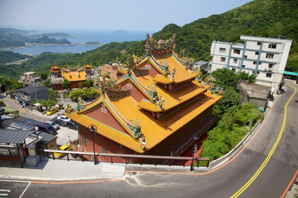 In Taiwan, you are never far from a Buddhist temple or the sea
